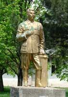 Памятники Сталину все еще встречаются. Автор фото: Любен
