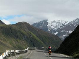 По дороге к Гудаури. Автор фото: Масяня